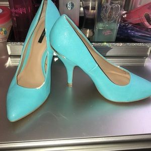 Turquoise Pointed Toe Heels